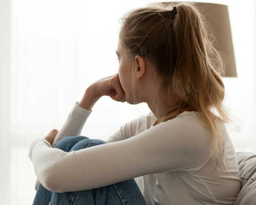woman-stressed-trying-to-use-willpower-to-overcome-addiction