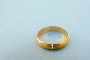A cracked gold ring
